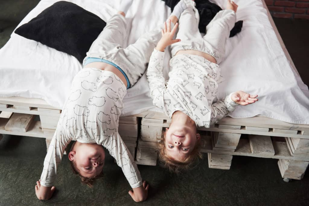 Pajamas For Children With Autism 🧸💤 (An Essential Guide)