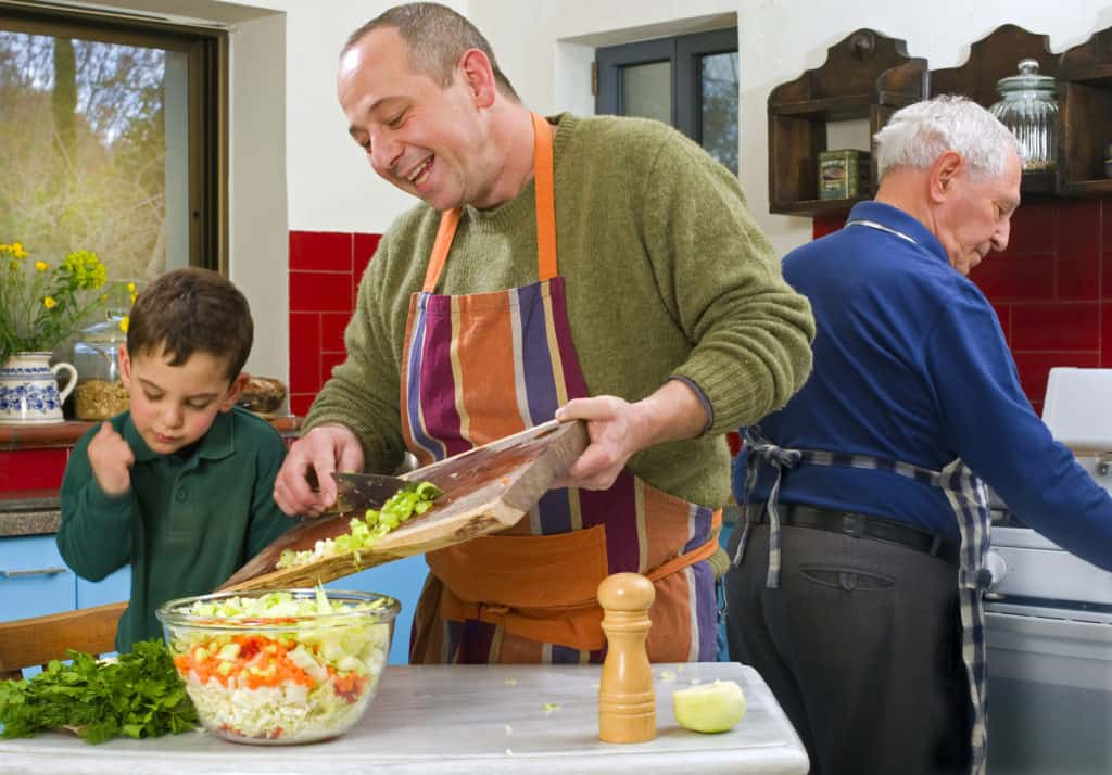 How To Make Mealtimes More Fun For Children With Autism 🍳