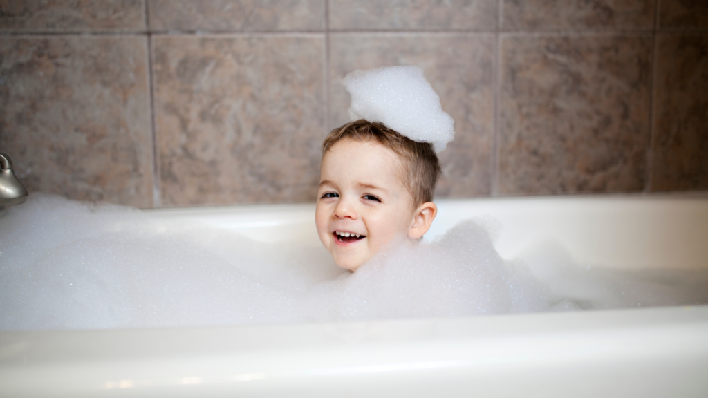 13 Tips On How To Bathe A Child With Autism Easily 🛁